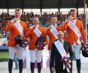 Aix-la-Chapelle2015-L-equipe-neerlandaise-medaillee-d-or_largeL